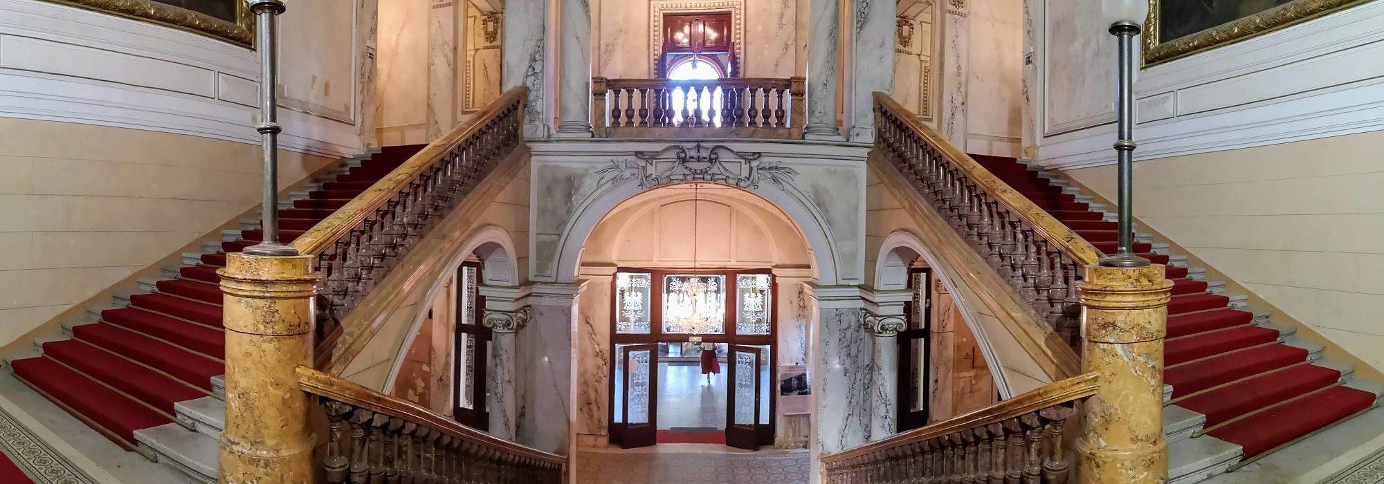 Treppen im Kaiserbad von Karlovy Vary